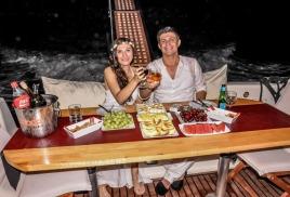 арендовать яхту в Анталии для романтического ужина